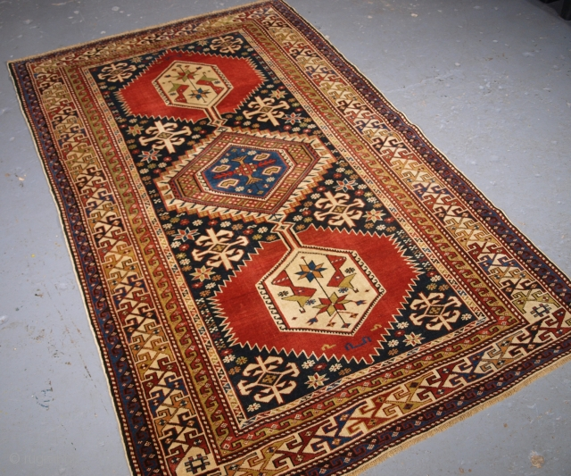 Caucasian Shirvan rug, click the link www.knightsantiques.co.uk to view more items. Size: 6ft 6in x 4ft 0in (197 x 121cm).