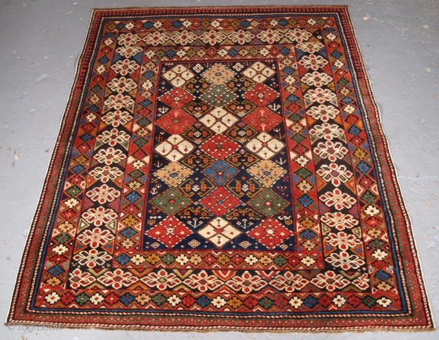 Caucasian Chichi region rug, unusual design, click the link www.knightsantiques.co.uk to view more items. Size: 4ft 8in x 3ft 9in (143 x 114cm).