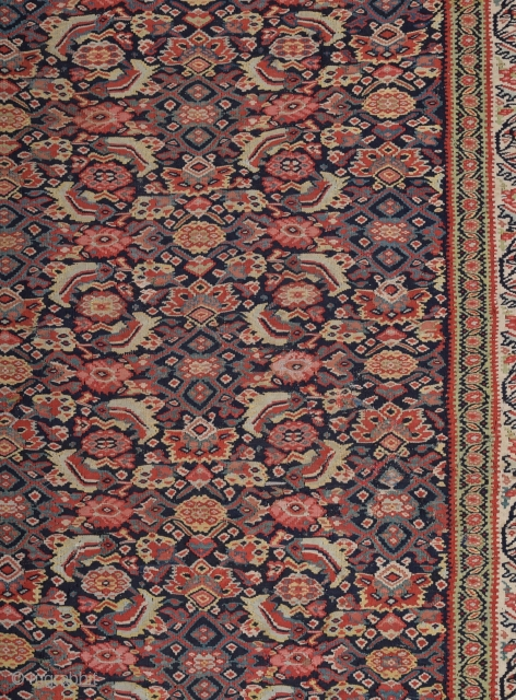 Late 19th Century Very Fine Persian Seneh Kilim size 141x189 cm