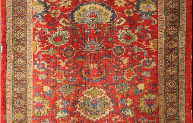 "Sultanabad rug ca 1900, 3'3"" x 5'8""."