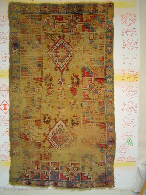 Ancient Rabat or Casablanca Yellow rug with 2 Hooked Medallions