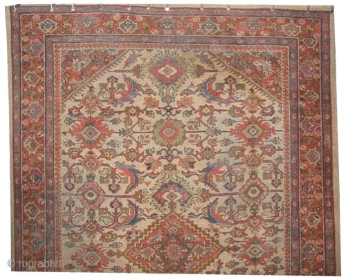 "Mahal Persian circa 1915 antique. Size: 293 x 202 (cm) 9' 7"" x 6' 7"" 