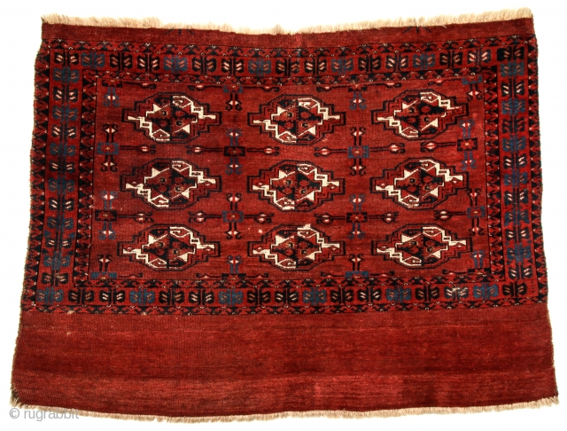 Rare and early Yomut-family Turkmen chuval. First quarter 19c.
