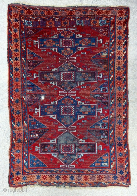 Southeast Anatolian Antique Yoruk rug - 19th century, circa 1875 - 4'4 x 6'4 - 134 x 195 cm. - not expensive!