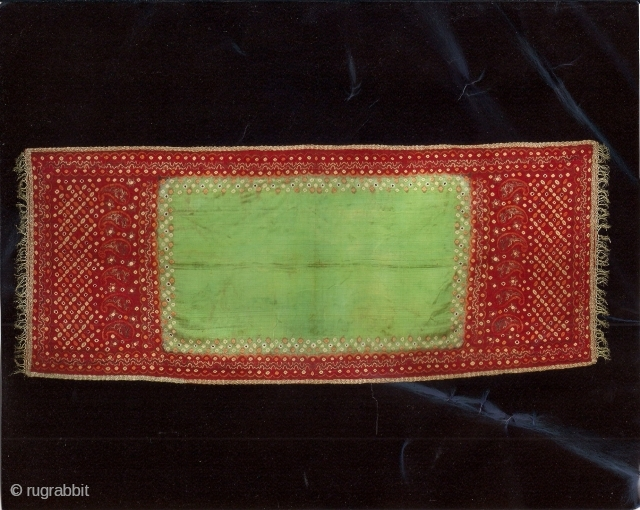 Indonesian textiles Indonesia 004 – (201cm x 84cm – 79in x 33in) pelangi, shoulder cloth and shawl Malay people, Palembang region, south Sumatra, silk, natural dyes tie dyeing, painting, stitch resist dyeing,  ...