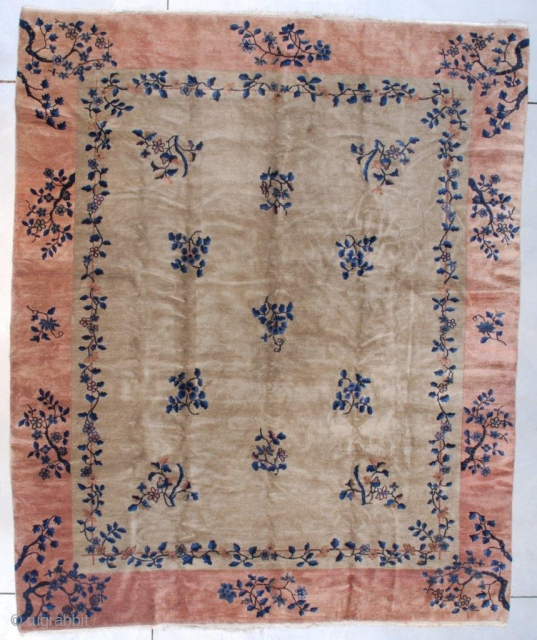 """#7565 Antique Peking Chinese Rug This circa 1925 Peking Weave Art Deco design Chinese Oriental rug measures 8'1"""" x 9'10"""" (246 x 304 cm). It has a grey field with eleven floral sprays  ..."""