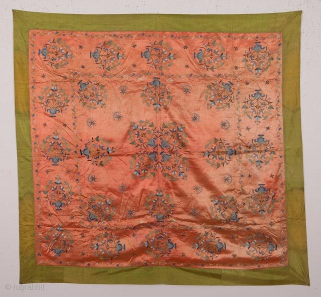 Ottoman Embroidery 110 x 118 cm / 3'7'' x 3'10''