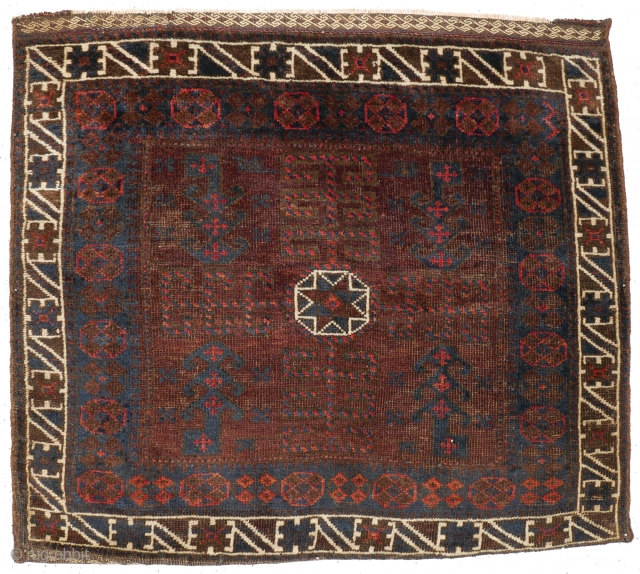 # 1105 Baluch Khorjin Half, 77/68 cm, Khorasan / West Afghanistan, ca. 1900, interesting field variation, glewing dark natural dyes, fair pile!