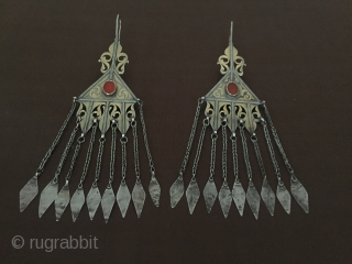 Central-Asia Turkmen-Tekke İskendery design a beautifull silver earring fire gilded with cornalian Circa-1900 Size : 21.5cm x 6cm - Weight : 84 gr Thank you for visiting my rugrabbit store !