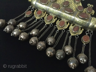 Central-Asia Turkmen-tekke special Necklace Tumar with nice cornalian stone fire gilded all stone on the writting İslamic for-goodluck at the decoratian for the home Great condition ! Circa-1900 Size : ''32cm x  ...