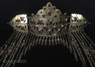 Central-Asia Ethnic Turkmen traditional silver headpiece / pediment gilded with cornalian original tribal turkoman jewelry / jewellery Good condition ! Circa - 1900 Size - Lenght : 33 cm - Edge height  ...