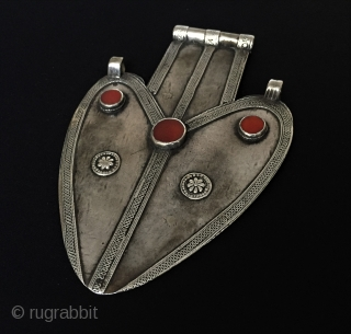 Central-Asia Turkmenistan-Ersary Ak-Asyk Tribal Silver Pendant with cornalian Excellent condition Circa-1900 Size : '17cm x 11.5cm' - Weight : 164 gr Thank you for visiting my rugrabbit store !