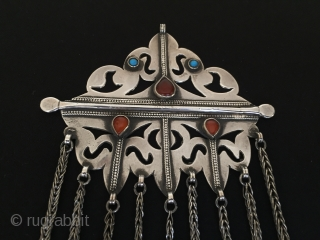 Central-Asia Turkmen-Ersary Ethnic Tribal Silver Tassel Pendant with cornalian fine condition Circa-1900 Size : 17cm x 10.5cm - Weight : 97 gr Thank you for visiting my rugrabbit store!