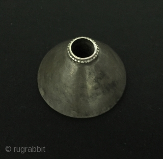 Central-Asia Antique Turkmen - Yomud Hand carved Silver Drop Spindle Great condition ! Circa - 1900 Size - Lenght : 32 cm - Circumference : 16 cm Thank you for visiting my  ...