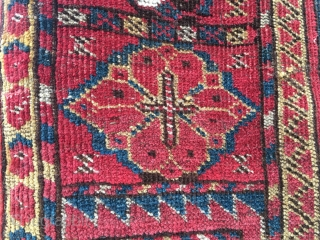 Turkmen Beshir pile rug. End 19th c. Cm 110x215. Great colors, great pattern, great condition. Some old restorations. Unusual medium size. Lovely madder red, super yellow, sweet green & light indigo. Wool  ...
