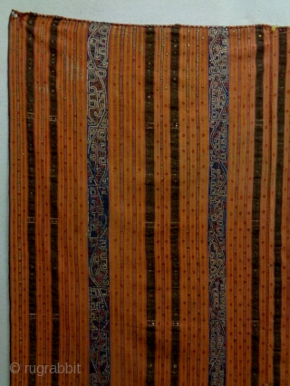 19th Century Indonesian Textile Size: 120x133cm Natural colors, it is used to be hung up