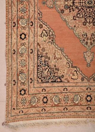 Hadji Jalili Tabriz Rug circa 1910 size 133x190 cm