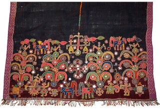 This lovely antique woolen Mutwa dowry shawl was woven by the wool weaver Meghwals of Gujarat. Like the Rabari, with great skill the wool is handspun and woven on a loom in  ...
