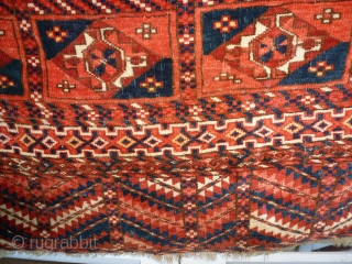 Tékké  102 x 88 good condition, good pile, missing the fringes, decor Aina gul. 