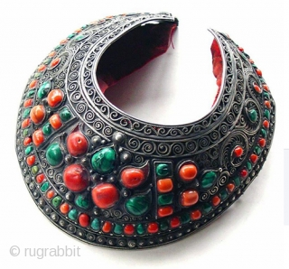 kalka inlaid cap, silver filigree with coral and malachite. Mongolia 19th c
