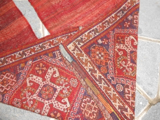 A pair of antique Khordjin QASQHA'I in perfect condition. Wool on wool and natural dyes for this pair beautiful antique carpets. Other info or photos on request. size 55x65 cm about for each. Don't hesitate for  ...