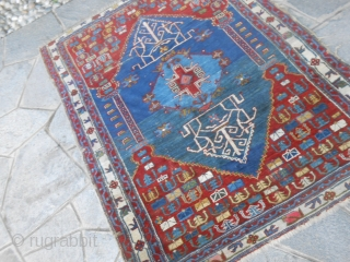 147 x 113 cm  ANTIQUE SHIRVAN original pattern. This carpet has been knotted very fine. Wool on wool = Natural dyes Period last quarter XIX th century. For the condition look the photos. Other info or pictures on  ...