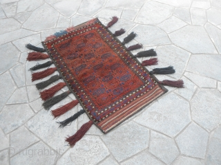 121 x 70 cm