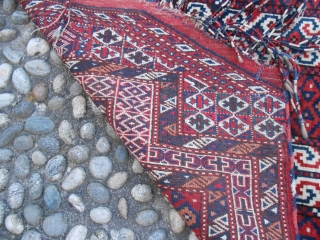 113 x 91 cm. is the size of this antique Turkmen SALATSHAK Youmut tribe. This piece is in perfect condition, all wool and any problems. All natural dyes. Fine knot. Shiny wool. For other  ...
