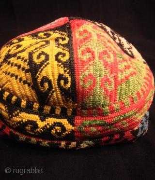 Uzbek vintage natural silk handmade hat skull duppi hat  Size:  Hat Circumference: 46 cm   Fast shipping all over the world,!