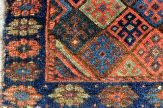 """Kurdish Jaff bagface with amazing range of colors and super tight weave - 21"""" x 18"""" - 53 x 45 cm."""