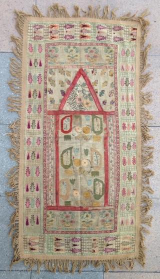 Summer sale : Small Prayer 'Ottoman period' Grec embroidery . very pretty.  Size : 100x50cm