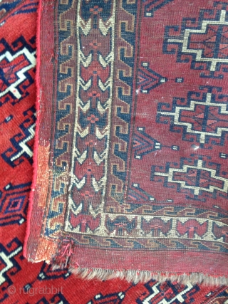 December Sale : A very cool and old Memling Gull Chuval with beautiful Red , colors and fine quality ! Nice border, Running dogs and flying birds ! Condition as in photos above .  Price  ...