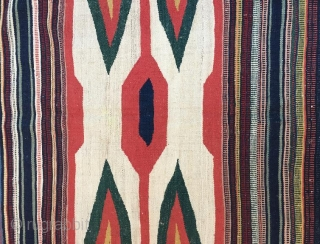 Persian sofra,120 x 100 cm  www.eymen.com.tr