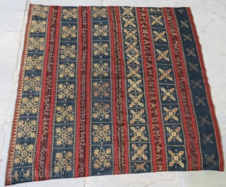 19 th c.Sumatra Indonesian tapis sarungtube with metallic thread gold color,