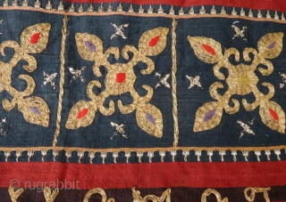 19 th c.Sumatra Indonesian tapis sarungtube with metallic thread gold color, all natural dyes in good condition .130 x 120 cm