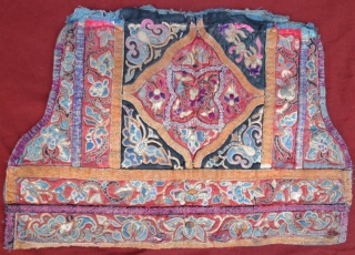 19 th century chinese textile fragment,silk and gold thread embroidery,56 x 36 cm . www.eymen.com.tr