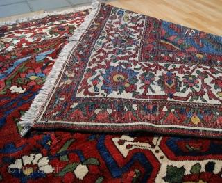 Antique Bahtiyari main rug ,390 x 294 cm  www.eymen.com.tr