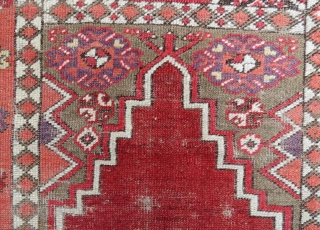 Antique anatolian prayer rug. 140 x 100 cm