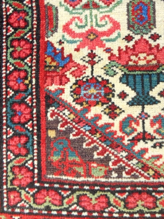 Fantastic Persian Malayer rug in nearly perfect condition. Fine weave. All natural, clear colors. Late 19th c. Excellent piece!
