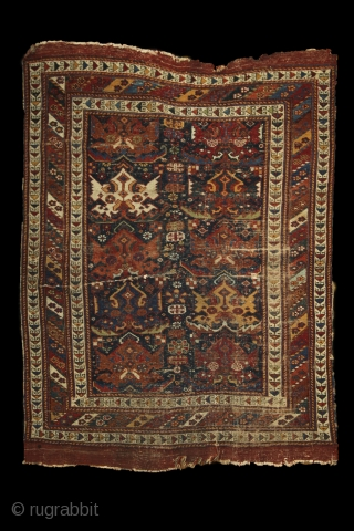 Afshar 'shield/palmettes/flame' rug, wool on wool, 1,68 x 1,23 m. Real, precommercial, tribal piece from the 2nd half of 19th century, worn allover, but still has a shining charisma and fresh organic  ...