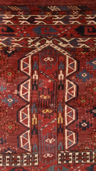Yomud Ensi, 19th century. Mint condition, full juicy pile allover, original sides and kilim on both ends, original tassels. There are a few redone knots here&there, but it is really in mint  ...