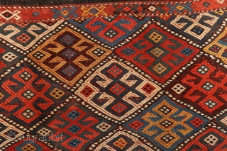 How to create a rythm from colors? Kurdish mafrash, 19th century, Caucasus. Complete, in mint condition.More pieces: http://rugrabbit.com/profile/5160