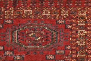 Masterpiece of geometry. Tekke Salor gül chuval, mid. 19th century, 115x75cm, 6 masterly drawn Salor gül, great diamond devices in the space with a beautiful kotchaks in their center containing an other  ...
