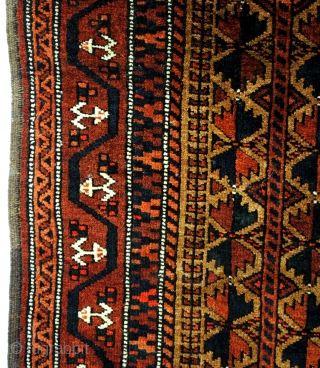 Belouch, classical Belouch, tree of life with Ersari 'anchor' kepse gul in the border. 