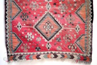 Kilim, Luri-Qashqai.  275 x 148 Cm.  9.1 ft. x 5 ft.  1960-1970.