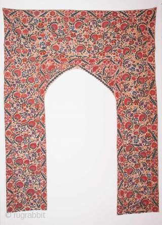 Central Asian Uzbek Suzani 214 x 271 cm / 7'0'' x 8'10''