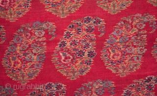 Indian Kashmir Shawl Fragment  68 x 78 cm / 26 x 30 inches