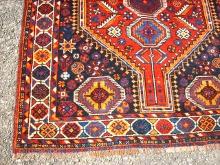Old southpersian piece, Bonat. Size: 122 x 195 cm. Very good condition. Cracy colours. Silky and shiny wool. High pile.