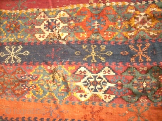 Antique anatolian Kilim. Size: 330 x 164 cm. Bad conditon. Holes. Damaged.