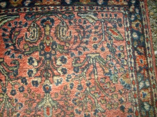 Very old special Sarough. Size: 62 x 124 cm. Very good condition.